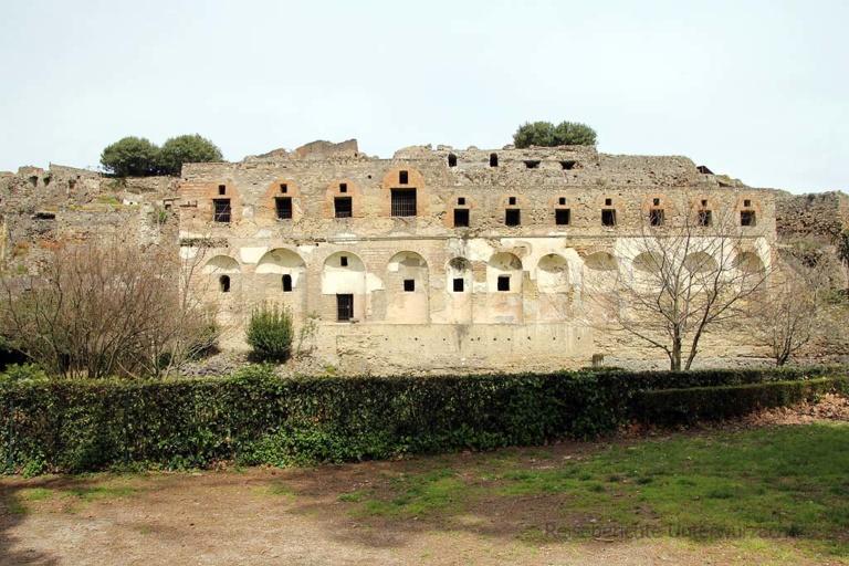 Pompeji: 79 n. Chr. durch einen Ausbruchs des Vesuv untergegangen ...