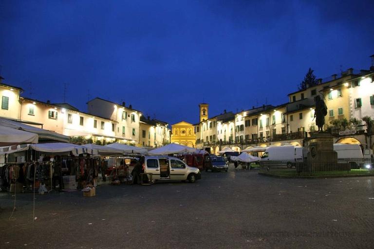 Zwischenstopp in der Toskana: Markt in Greve