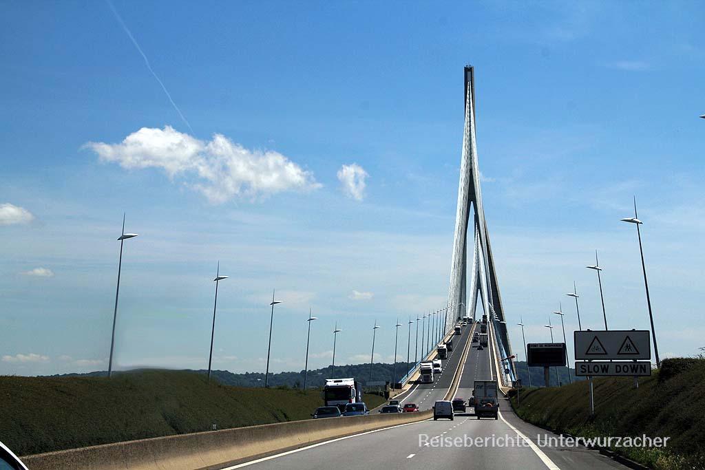 Mautpflichtige Brücke der Normandie ...