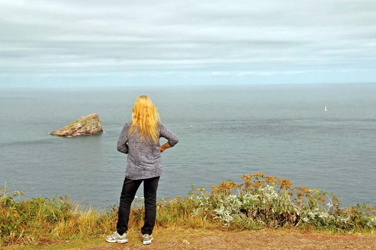 Sonja genießt die Weite des Atlantiks und ...