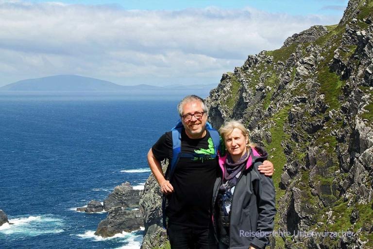 Rupert und Sonja auf einer kleinen Wanderung ...