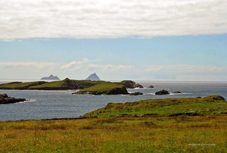 ... ein letzter Blick auf die Skellig Inseln ...