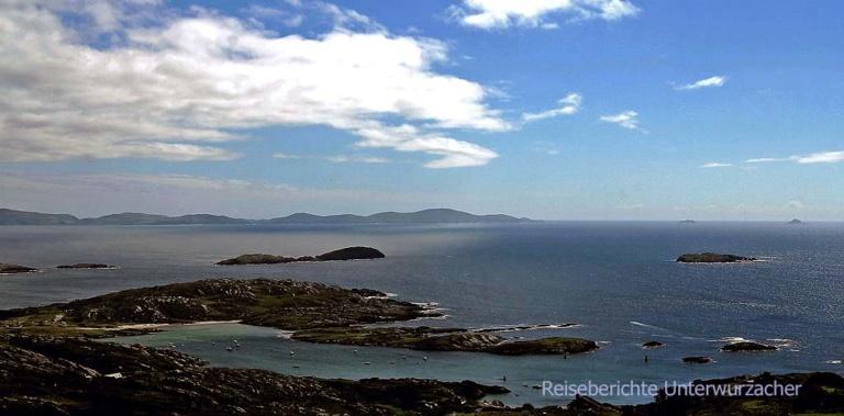 Ring of Kerry - ein letzter Blick auf die Skellig Inseln - rechts hinten ...