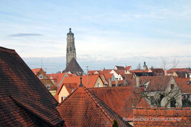 """Blick über den Dächern von Nördlingen zum """"Daniel"""" ..."""