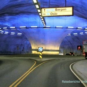 Kreisverkehr in einem der vielen Tunnel ...