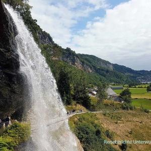 Steinsdalsfossen - schöner Wasserfall, schöne Aussicht ...
