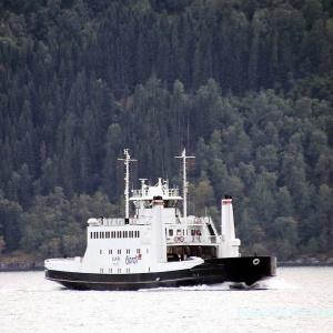 """Fähren gehören in Norwegen zum normalen """"Straßenbild"""" ...."""