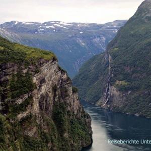 """Der Wasserfall """"Die Sieben Schwestern"""" am Geirangerfjord ..."""