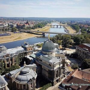 Blick auf Dresden von der Kuppel der Frauenkirche ...