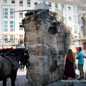 Das blieb nach den Bombenangriffen im II. Weltkrieg von der Frauenkirche in Dresden über ...