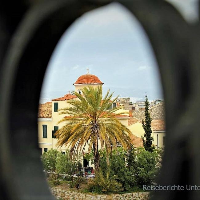 Schöne Ausblicke auf dem Fußweg runter nach Athen ...