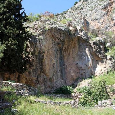 Ich persönlich glaube, dass das Orakel von Delphi genau hier weis gesagt hat ...