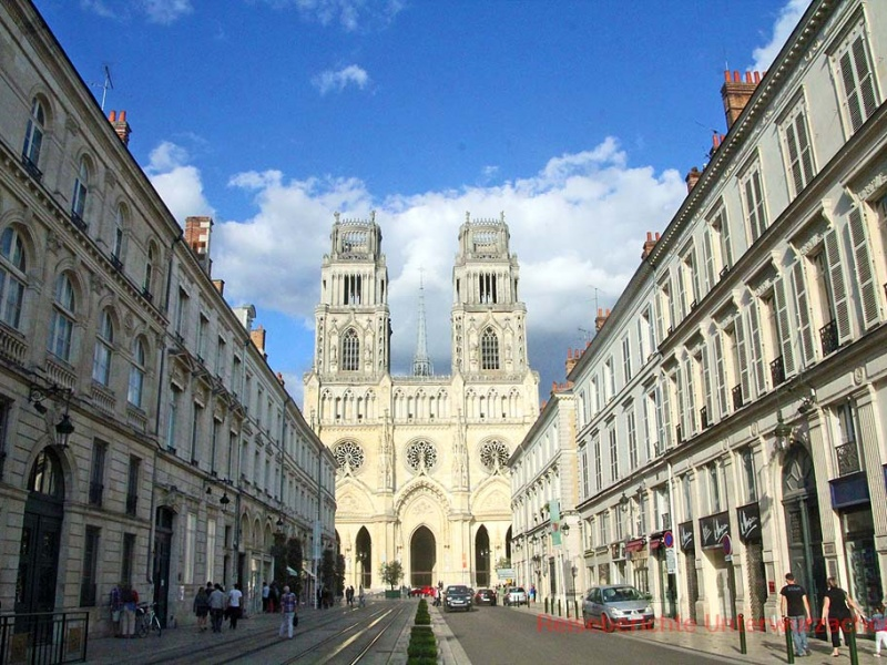 Kathedrale Sainte-Croix d'Orléans - außen ...