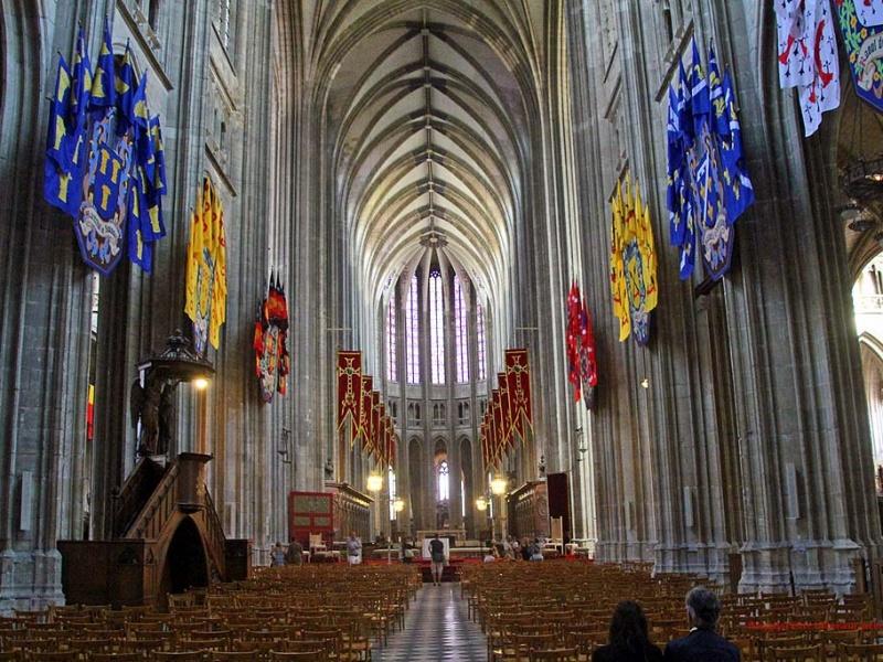 Kathedrale Sainte-Croix d'Orléans - innen  ...