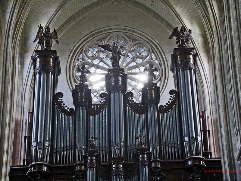Die Orgel wurde von 2004 bis 2007 restauriert ...