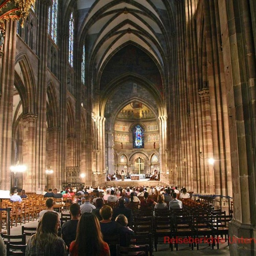 Eines der größten Sandsteinbauten der Welt: Cathédrale Notre-Dame de Strasbourg ...