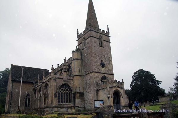 ... düster und mystisch: Kirche in Lacock (GB)