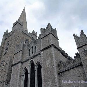 St. Patrick's Cathedral von außen ...