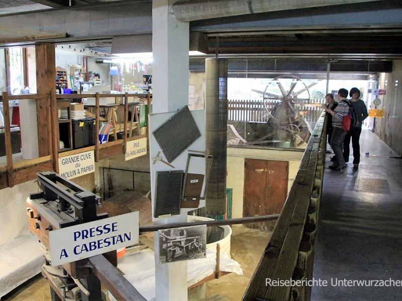... kostenloser Besuch im Papiermuseum ...