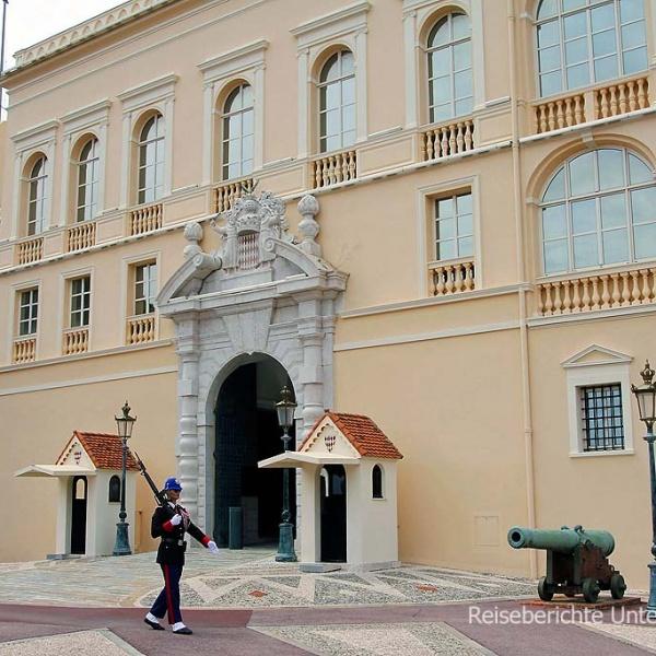 Fürstenpalast Monaco - außen ...
