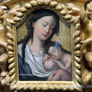 Die hl. Mutter mit dem Jesuskind in der Clérigos-Kirche von Porto