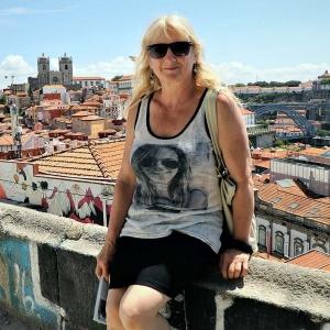 """""""Filmdiva"""" (?) in Porto ..."""