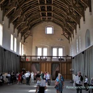 Die große Halle von innen ...