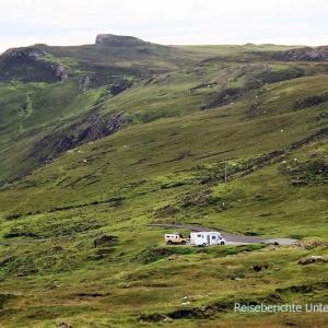 Im Landinneren finden wir einen windsicheren Übernachtungsplatz und schöne Wandermöglichkeiten