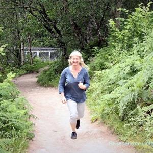 Kurze und schöne Wanderung zum Wasserfall, Hängebrücke und Aussichtsturm ...