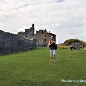 Dunnottar Castle - wie immer mit herrlichem Rasen ...