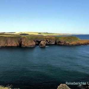 Ausblick vom Dunnottar Castle auf die Ostküste ...