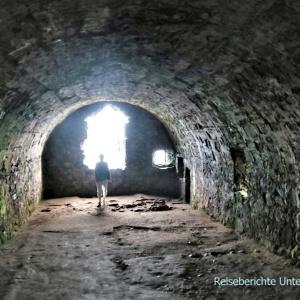 Whigs' Vault - hier waren 122 Männer und 45 Frauen zwei Monate lang gefangen ...