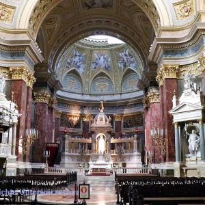St. Stephan Basilika - Inneres nach Osten ...