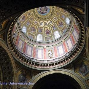 St. Stephan Basilika - Blick in die Kuppel
