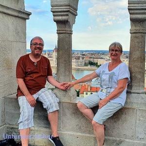 Nettes Bild vor der Budapester Kulisse ...